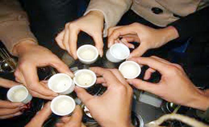 Bảo đảm thực phẩm an toàn và tránh ngộ độc rượu